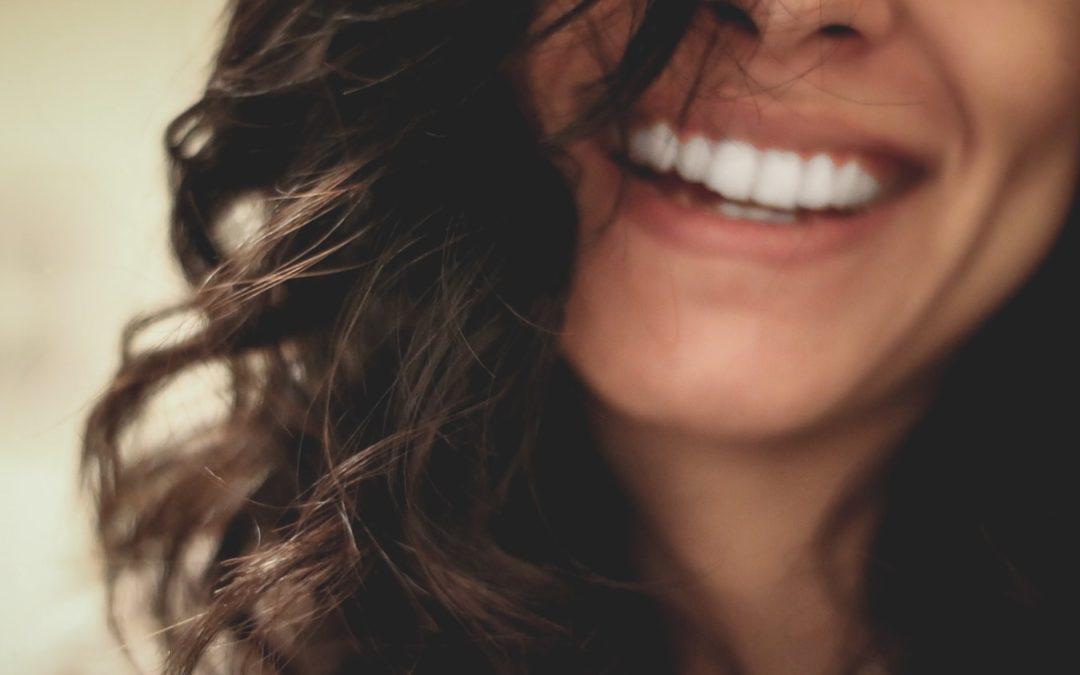 Zobu balināšana mājās bez ūdeņraža peroksīda
